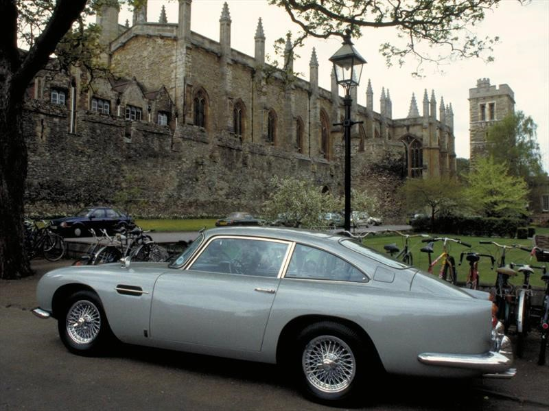 Aston Martin trae de regreso al DB5 de James Bond