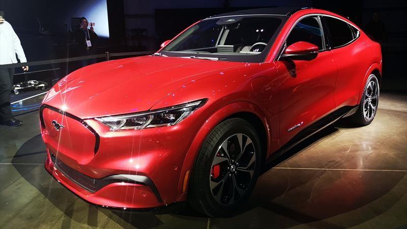 Ford Mustang Mach-E 2021, el polémico SUV eléctrico que hace historia