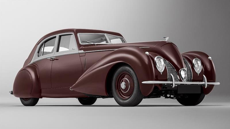 Bentley recrea el único Corniche destruido en 1939 por la Segunda Guerra Mundial