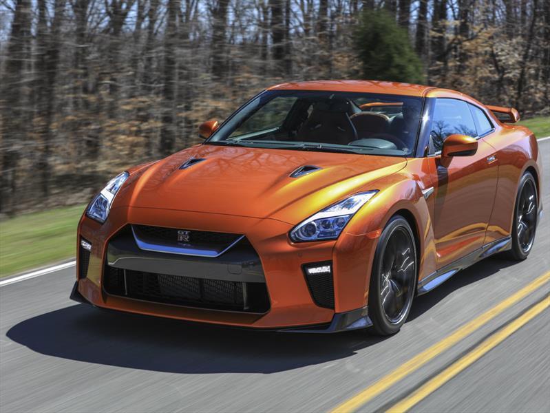 Nissan GT-R Premium 2017 tiene un precio de $109,990 dólares