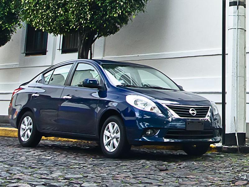 Sal 243 N De Buenos Aires 2013 Probamos El Nissan Versa