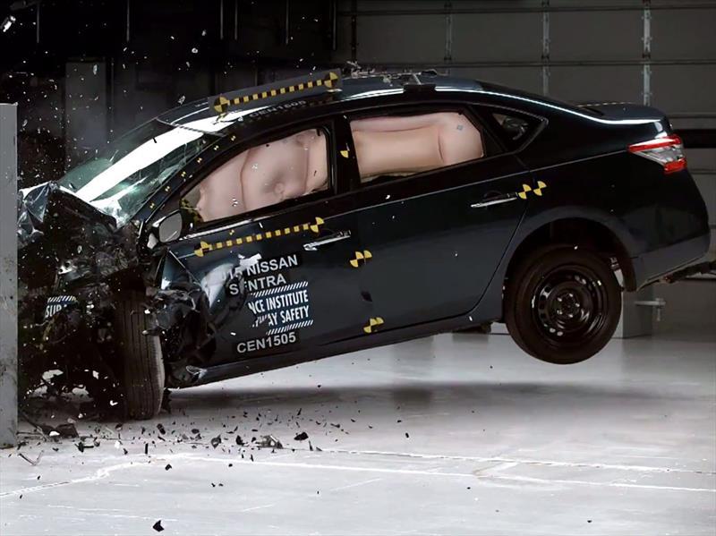 Nissan Sentra 2015 Reconocido Como Top Safety Pick Por El