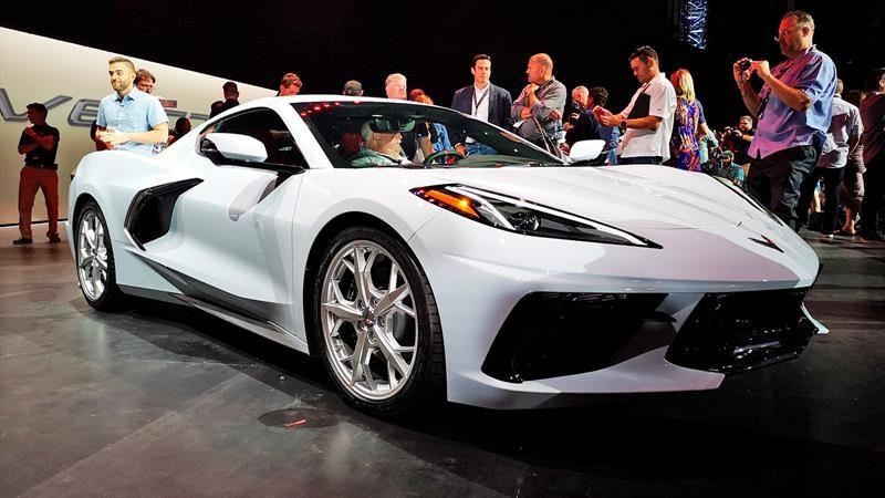 Chevrolet Corvette Stingray 2020, la inevitable evolución hacia el motor central llegó