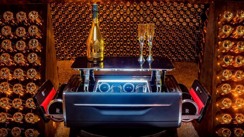 Esta caja para champagne de Rolls-Royce vale lo de un Audi A4