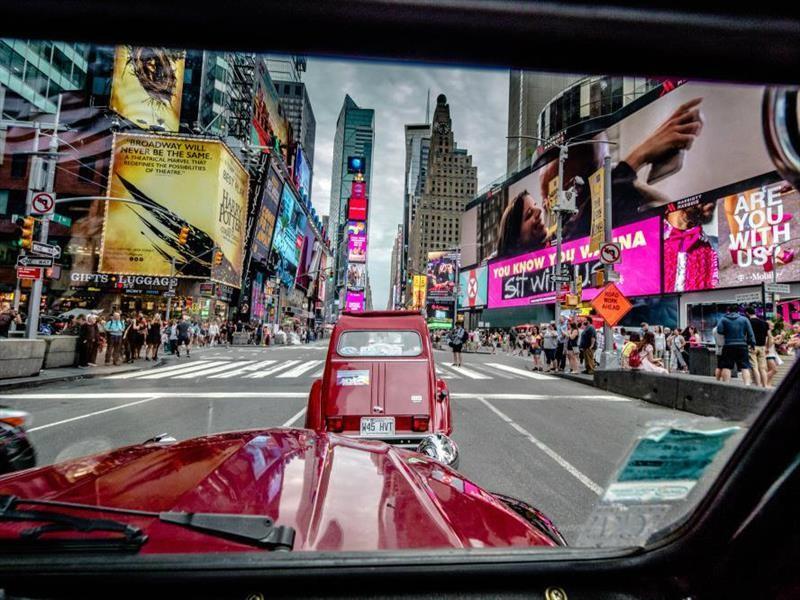 Autos clásicos Citroën invaden las calles de New York City