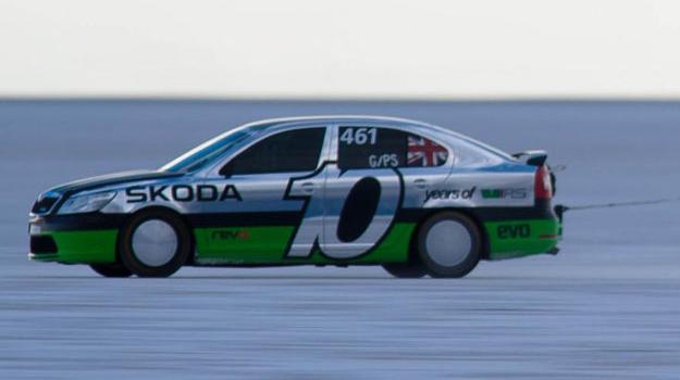 Škoda Octavia vRS supera los 368 Km/h en Bonneville