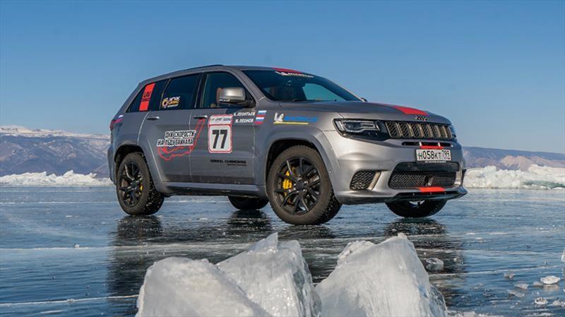 Jeep Grand Cherokee Trackhawk rompe el récord del SUV más rápido sobre hielo
