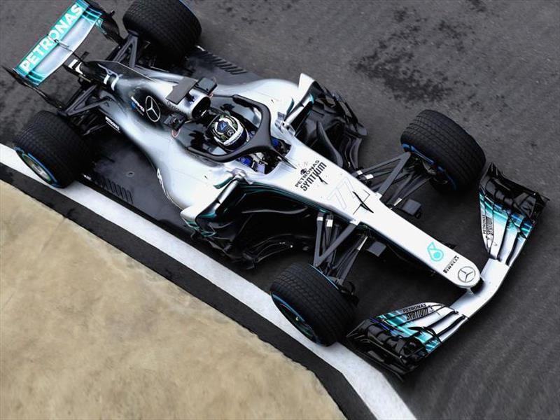 Mercedes-AMG W09 debuta