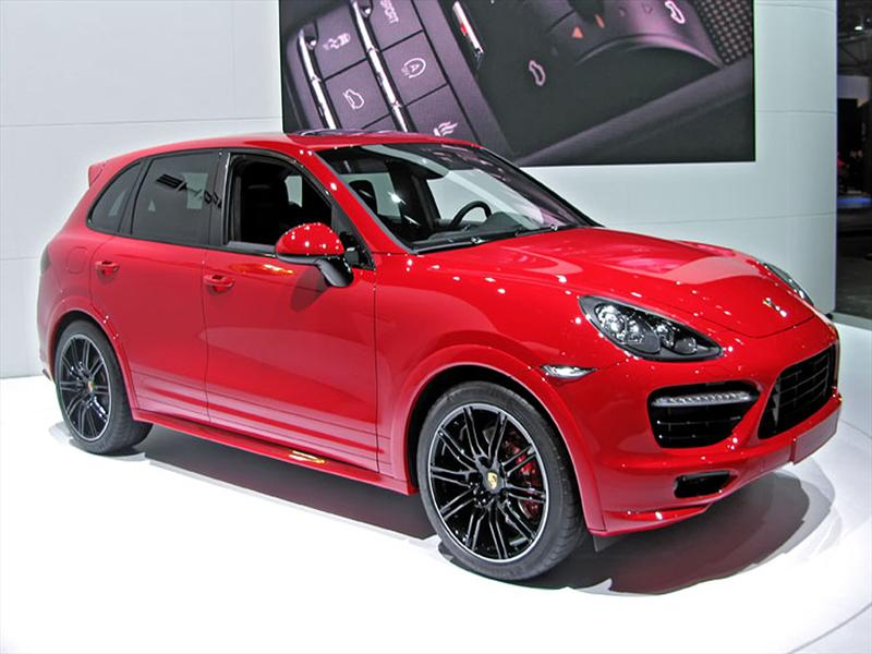 nuevo porsche cayenne gts 2013 ya est en chile. Black Bedroom Furniture Sets. Home Design Ideas