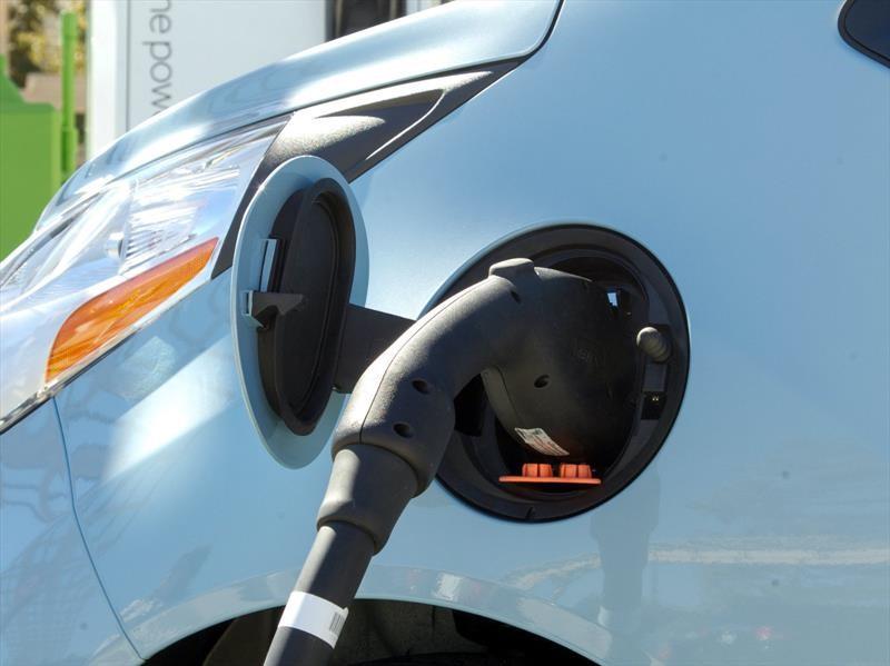 Walmart tendrá estaciones de carga para vehículos eléctricos en EU