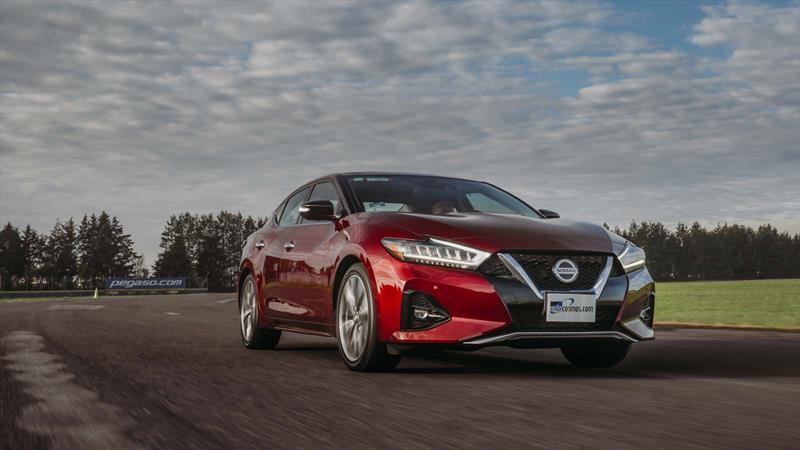Nissan Maxima 2019 a prueba ¿Una especie en extinción?