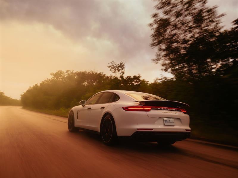 Porsche Panamera Turbo S E-Hybrid 2018: Prueba de manejo