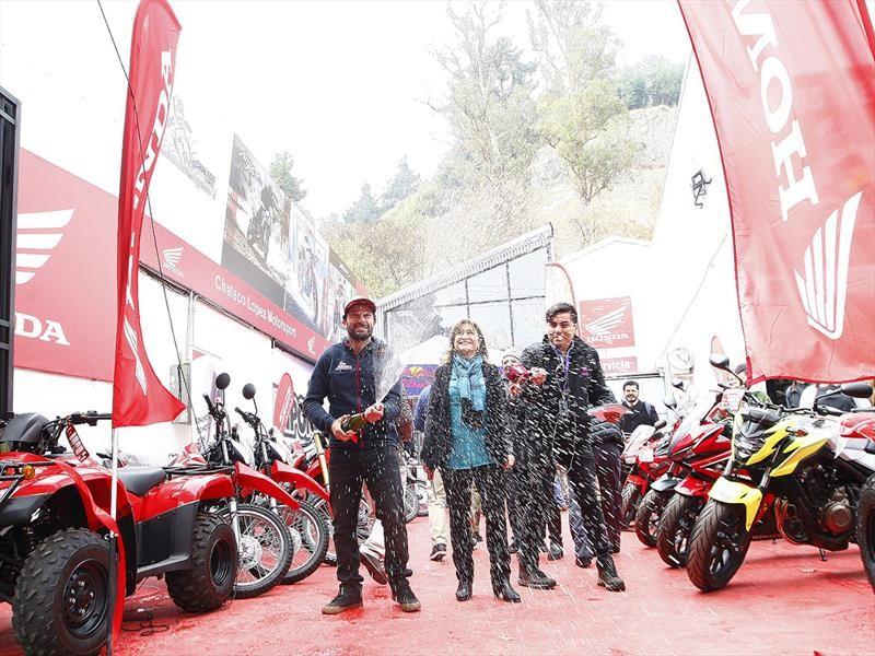 Chaleco López inaugura su propia tienda de motos en Curicó