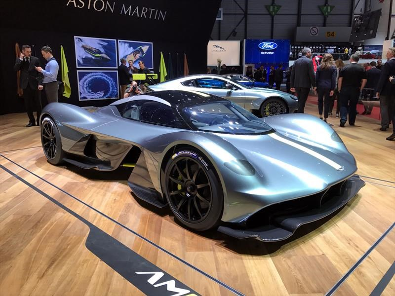 Aston Martin Valkyrie ¡listo para una cabalgata gloriosa!