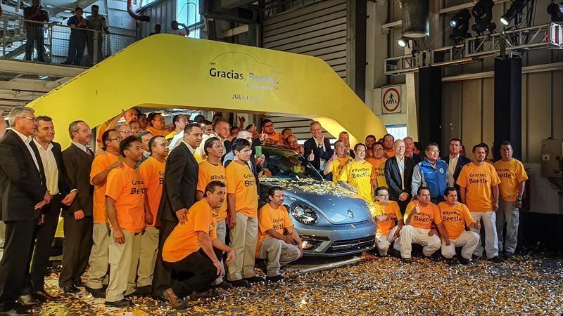 Volkswagen dice adiós al Beetle, uno de los autos más vendidos de la historia