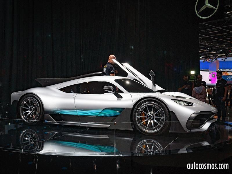 Mercedes-Benz no deja nada librado al azar en el Salón de San Pablo