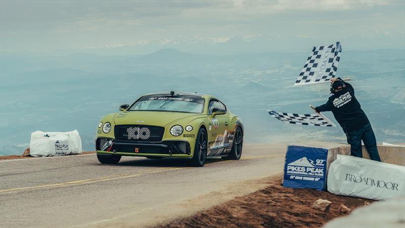 Bentley Continental GT es el auto de producción más rápdio de Pikes Peak
