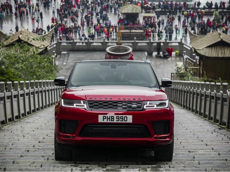 Land Rover Range Rover Sport PHEV sube hasta la Puerta del Cielo