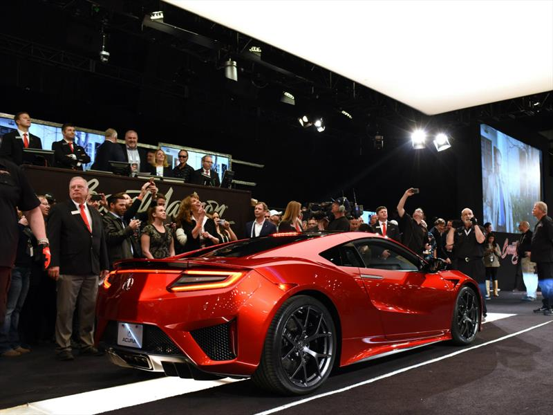 Subastan el primer Acura NSX 2017 en $1.2 millones de dólares